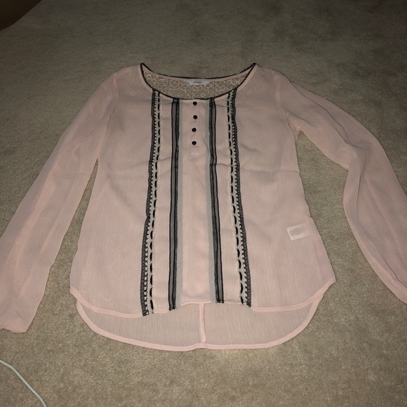 Candie's Tops - Ling sleeve shirt